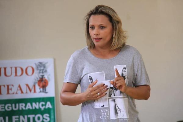 Patriciana Guimarães visita projeto social em Macapá
