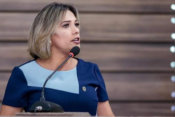 Patriciana Guimarães pede podagem de árvore e ronda policial em bairros de Macapá