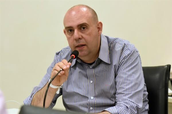 Paulo Henrique propõe contratação de pessoas em condição de rua em Piracicaba