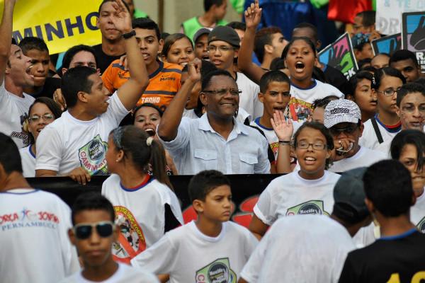 Deputado Ossesio Silva participa de mobilização no Recife