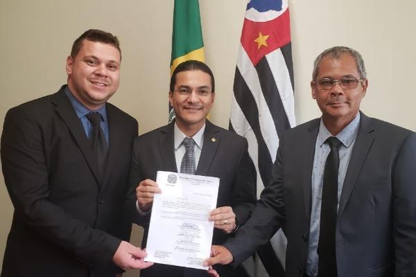 Republicanos buscam recursos em Brasília para a saúde de Guará (SP)