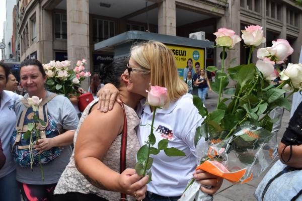 """Porto Alegre recebe campanha """"Você Merece um Abraço 10"""""""