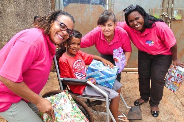 """PRB Mulher promove """"Natal 10"""" para crianças de comunidade em Ribeirão Preto"""