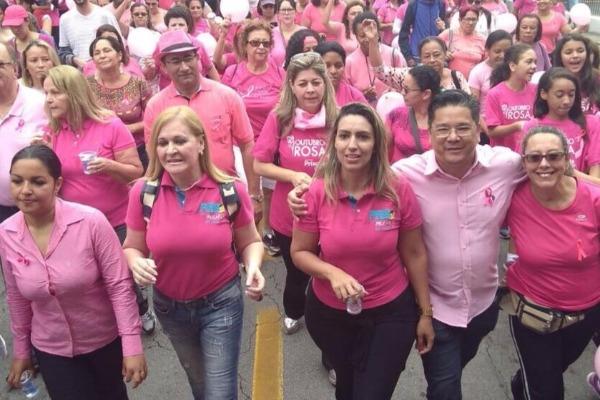 Priscila Sampaio realiza 4ª Caminhada contra o Câncer de Mama em Taboão da Serra (SP)