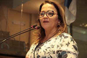 Professora Ana Lúcia pede a criação da identidade de pessoas autistas