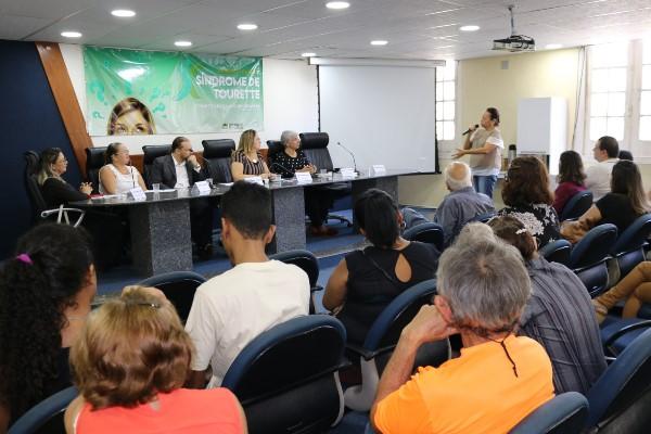 Síndrome de Tourette é debate no Recife