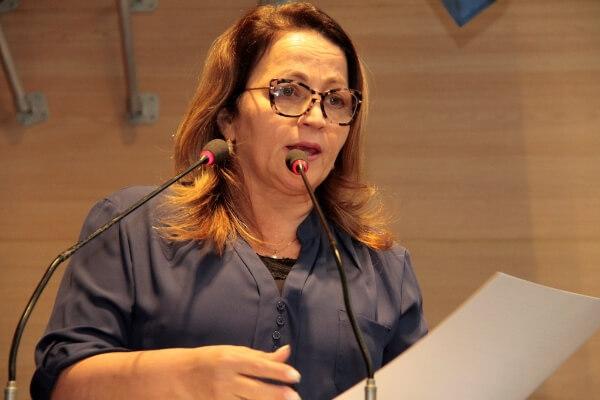 Recife: vereadora propõe monitoramento do IMC de estudantes