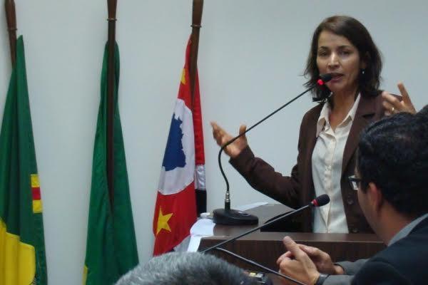 Professora Sônia prioriza melhorias em escolas públicas de Carapicuíba (SP)