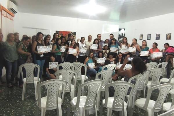 Programa Setre nos Municípios entrega certificados em Pedro II