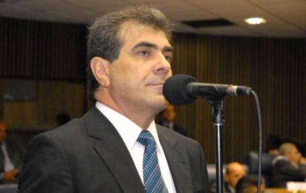 Projeto de Atílio Francisco obriga estabelecimentos comerciais a oferecer opção para refeições sem sal
