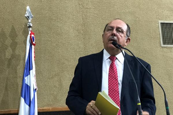 José de Arimateia pede reestruturação dos hospitais psiquiátricos da Bahia