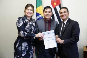 Marcos Pereira abona a filiação do vereador Rarison Santiago ao PRB Amapá