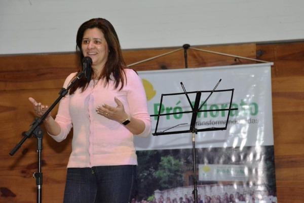 Renata Sene participa da formação jovens em Francisco Morato (SP)