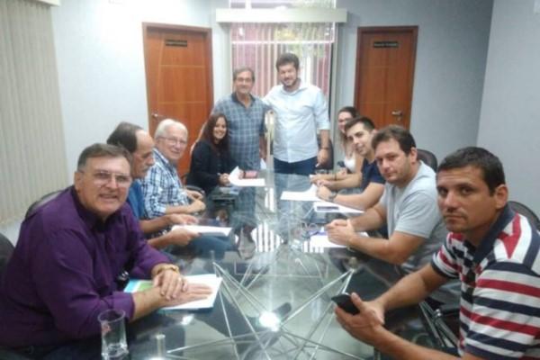 Renatinho Vianna oficializa convênio com a Caixa Econômica Federal