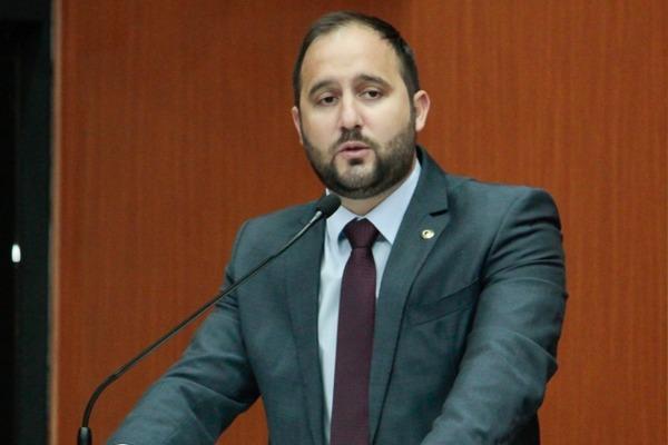 Renato Silva pede regularização do serviço de mototáxi em Boa Vista