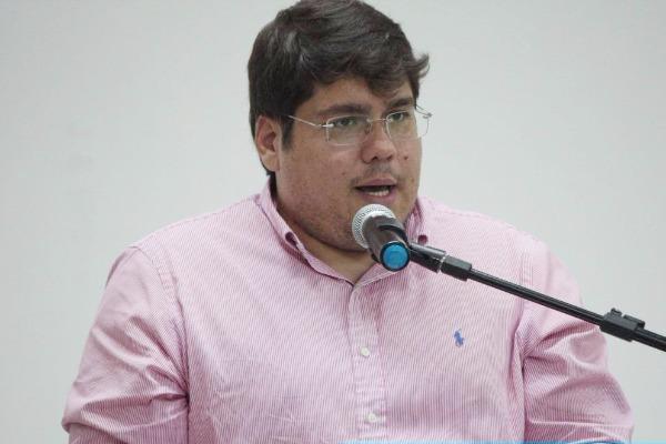 Reno Marinho se empenha para reajustar salários dos servidores municipais