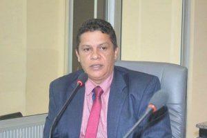 Vereador Repórter Puliça pede construção de muro em escola de Caxias