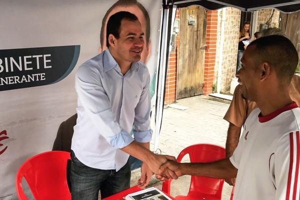 "Ricardo Evangelista inicia projeto ""Gabinete Itinerante"" pelos bairros de Niterói"