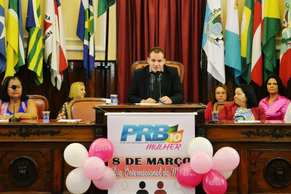 Vereador Ricardo Evangelista participa de palestra sobre os direitos da Mulher