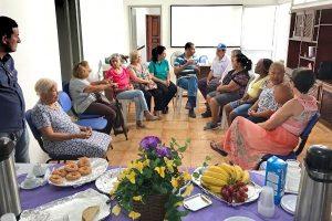 """PRB promove """"Café 10 com Palestra"""" para defender os direitos dos idosos em Goiânia"""