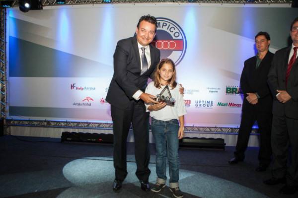 Ricardo Sapi representa Secretaria de Esportes de MG em homenagem no Olympico Club