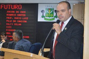 Ricardo Silva pede aumento da ronda policial no bairro Vila Ayrosa