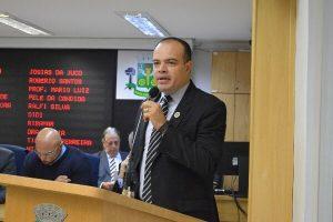 Ricardo Silva pede sinalização de trânsito em Osasco