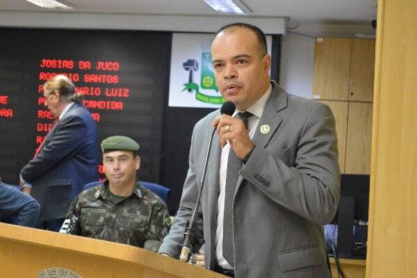 Ricardo Silva quer agendamento online para castração de cães e gatos