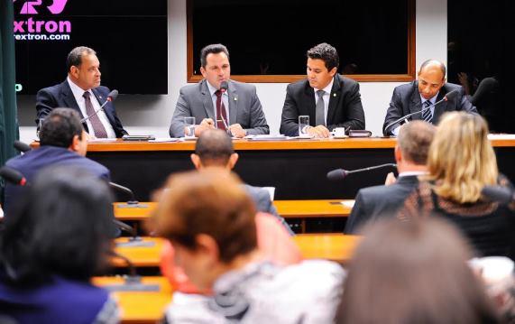 Roberto Alves é eleito 2º vice-presidente da Frente Parlamentar em Defesa da Vida e da Família