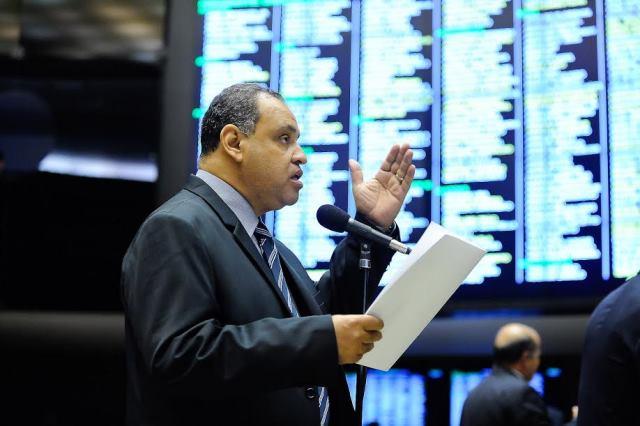 roberto-alves-prb-emancipacao-politica-do-municipio-de-holambra-foto-douglas-gomes-04-11-15