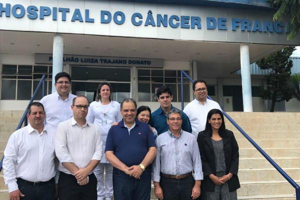 roberto-alves-prb-visita-complexo-hospitalar-de-franca-foto-geraldo-filho-08-05-17-01