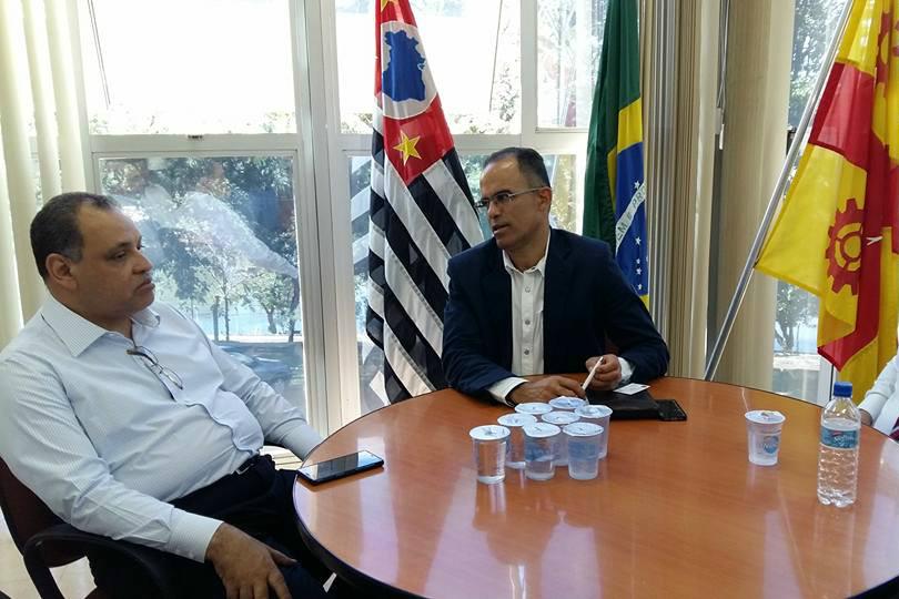 Deputado Roberto Alves percorre cidades no interior de São Paulo