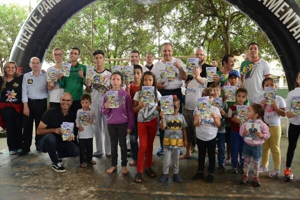Frente contra o abuso sexual infantil realiza ação em Tabatinga (SP)