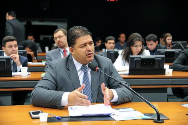 Roberto Sales defende que trabalhador seja liberado no dia do aniversário