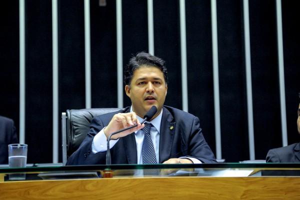 Roberto Sales apresenta balanço das atividades legislativas no ano de 2017