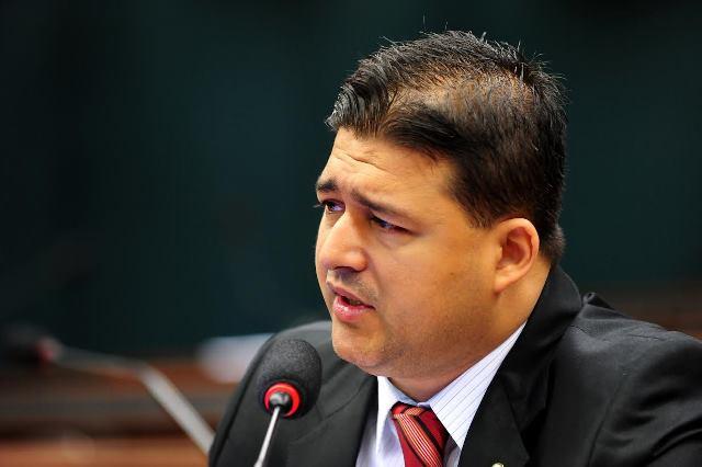 roberto-sales-prb-lanca-frente-parlamentar-de-incentivo-a-captacao-e-doacao-de-orgaos-foto-roberto-ribeiro-18-09-15