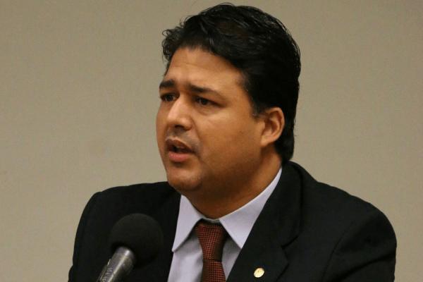 Roberto Sales propõe construção de unidades do IF em São Gonçalo e Itaboraí
