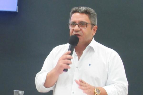 Robson Magela propõe atendimento preferencial para pessoas com fibromialgia em Araxá (MG)