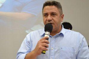 Lei que garante passe livre para acompanhantes de pessoas com deficiência em Araxá (MG)