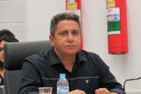 Robson Magela quer prestação de contas das obras de revitalização de avenida em Araxá
