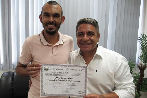 ONG Sangue Bom é homenageada por Robson Magela em Araxá