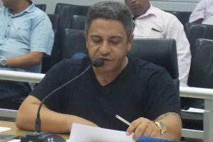 Robson Magela quer liberação judicial de caminhão pipa da Prefeitura de Araxá (MG)