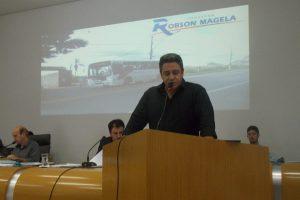 Projeto garante passe livre para acompanhantes de pessoas com deficiência em Araxá