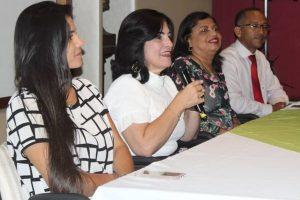 Rogéria Santos participa da entrega de certificados para 545 jovens em Salvador
