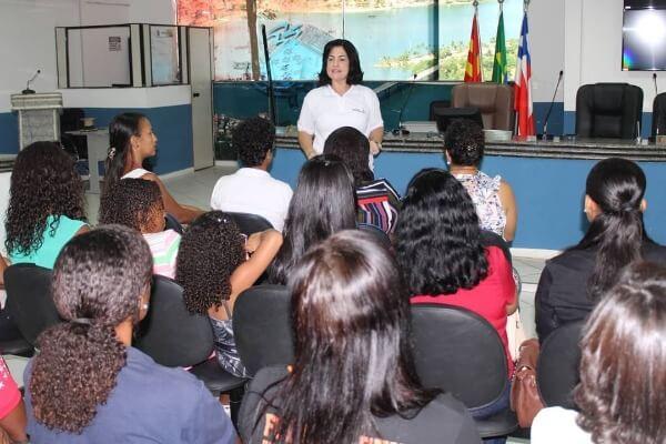 Rogéria Santos realiza encontro com republicanas de Ilhéus