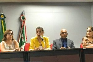 Rogério Cruz participa de audiência para discutir destino do clube mais antigo de Goiânia