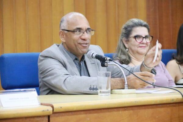 Direitos de alunos com deficiências foi tema de audiência em Goiânia