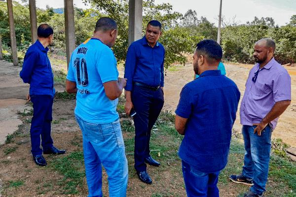 Rogério Santos visita comunidade do Vale da Cachoeira em Palmas