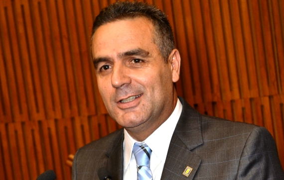ronaldo-de-castro-prb-quer-diminuir-paralisia-nas-sessoes-foto-diario-grande-abc-12-09-13