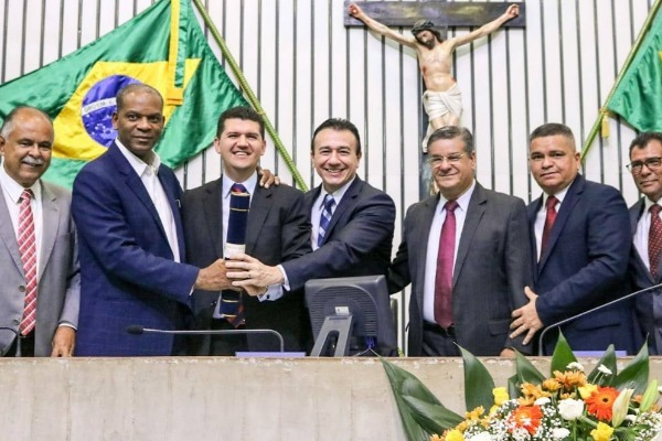 Ronaldo Martins é homenageado com o Título de Cidadão Cearense